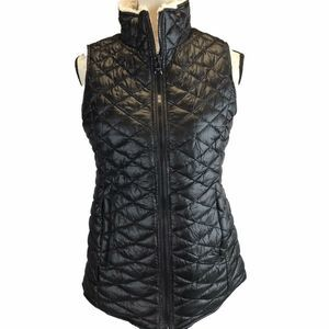 Madden Girl Reversible Quilted Faux Sherpa Vest
